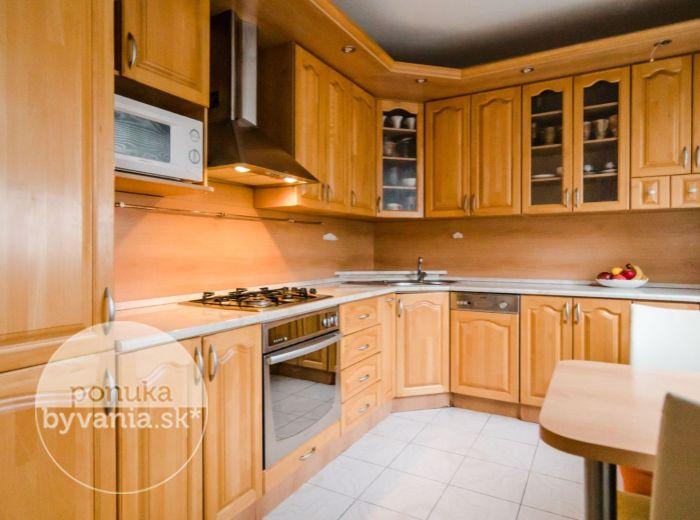 REZERVOVANÉ - TBILISKÁ, 4-i byt, 87 m2 – MALÉ KARPATY, blízkosť MHD a medzimestských spojov, POKOJ a ZELEŇ