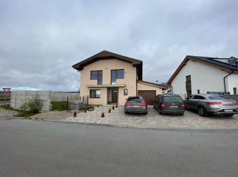 Rozostavaný rodinný domček v obci Veľký Slavkov
