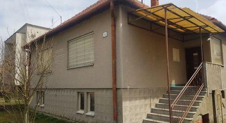 VYZÁLOHOVANÉ!!!!Rodinný dom alebo chalupa v obci Hosťovce