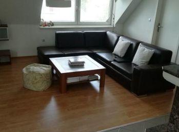 PREDAJ 3 izb. podkrovný BYT Malá Praha, 98m2