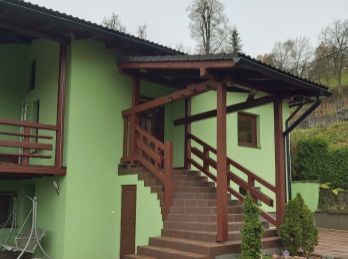 Veľký novo-zrekonštruovaný rodinný dom v centre Banskej Bystrici