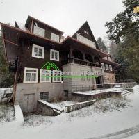 Rodinný dom, Vavrišovo, 1550 m², Kompletná rekonštrukcia