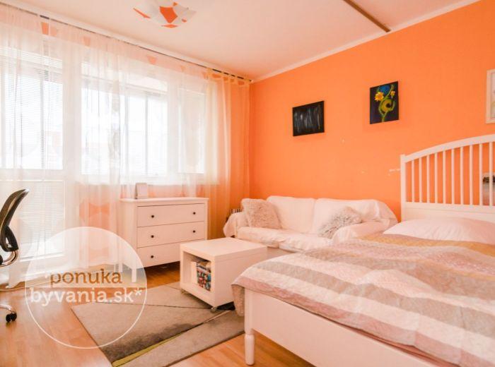 MANESOVO NÁM., 3-i byt, 79 m2 - TOP LOKALITA, blízko električky, CENTRUM mesta v pešej dostupnosti