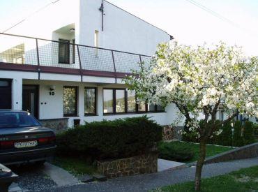 AFYREAL predaj veľký 5izb dom Svätý Jur, tiché prostredie