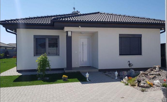 Výhodná ponuka: Kvalitný a moderný 4-izbový bungalov, 112 m2, TOP lokalita, Báč