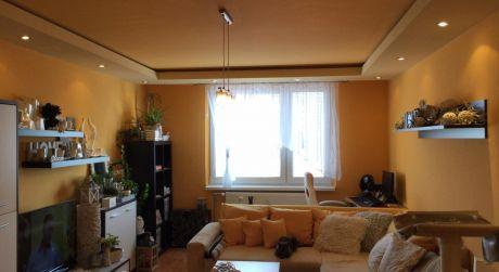 PREDAJ - Kompletne prerobený 3 izbový byt s loggiou na Družstevnej ul. v Komárne