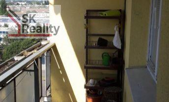 3-izbový byt v KN na siedmom poschodí - zdravý pôvodný stav