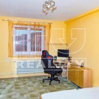 2 izbový byt, Nová Dubnica, 54 m², Kompletná rekonštrukcia