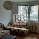 Priestranný 2-izbový byt s nepriechodnými izbami na ulici Tilgnerova v Karlovej Vsi