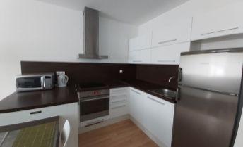 Priestranný 2 izbový byt v novostavbe