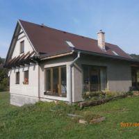 Rodinný dom, Nová Baňa, 229 m², Novostavba