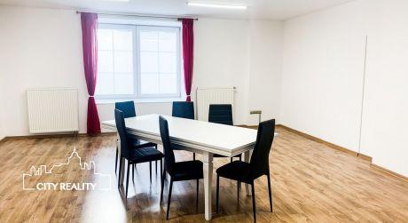 Reprezentatívne kancelárske priestory priamo v centre Prievidza, voľné ihneď!!!