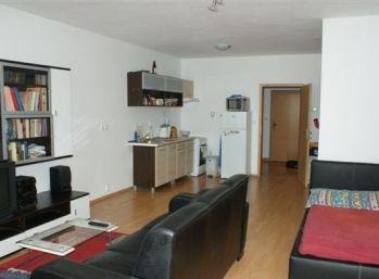 VEĽKÝ 1 izbový byt