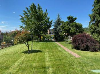 PROMINENT REAL predá 5 izbový rodinný dom vo vyhľadávanej časti v Modre s malebným výhľadom na Karpaty.