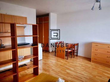 Prenájom 1-izbový byt 35 m2 s balkónom v Bratislave III, Nové Mesto - Kramáre, Vlárska ulica.