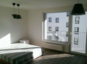 SVETLÝ 1 izbový byt-Dúbravy