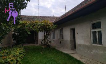 Na predaj rodinný dom v obci Horná Krupá v tesnej blízkosti Malých Karpát, len 70 km od Bratislavy, vhodný aj na chalupárčenie.