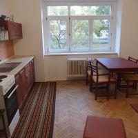 Dvojgarsónka, Bratislava-Ružinov, 46 m², Čiastočná rekonštrukcia