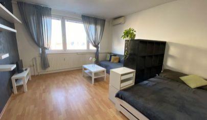 CENA S PROVÍZIOU! ZARIADENÝ 1 izbový byt na Rovniankovej ul. v Petržalke!