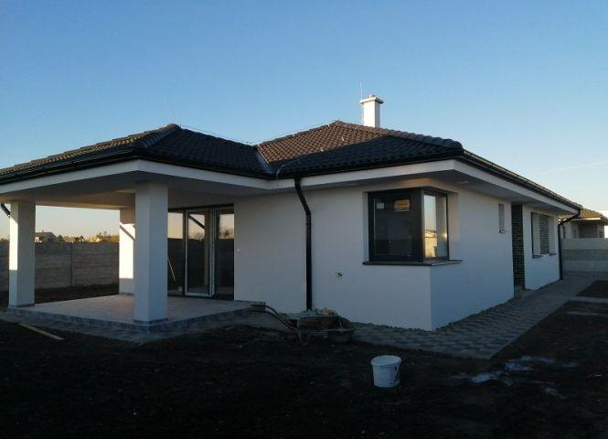 Rodinný dom - Lehnice - Fotografia 1