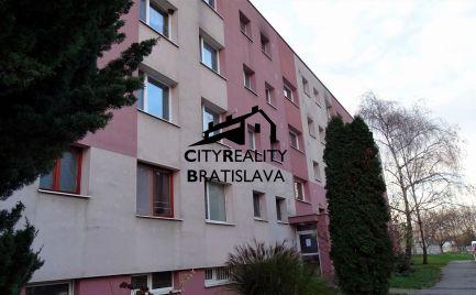 Upravený 3 izb. byt na 4 izb., Šamorín - Dunajská ul. centrum.