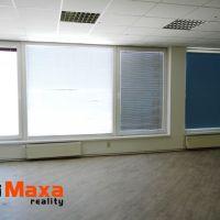 Obchodné, Senica, 44 m², Kompletná rekonštrukcia