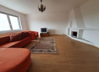 NA  PRENÁJOM -  4  izbová bytová jednotka v rodinnom dome