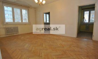 Predaj,  3-izb.byt (63 m2 + 1,5 m2 balkón ) v pôvodnom stave vo výbornej lokalite a tichom prostredí, ul. Muškátová, Bratislava II – Ružinov