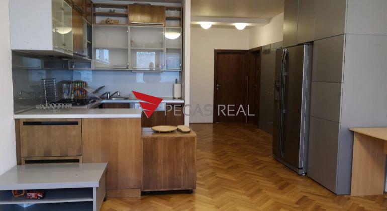 Na prenájom krásny 3-izbový byt v obľúbenej mestskej časti Ružinov v Ružovej doline.