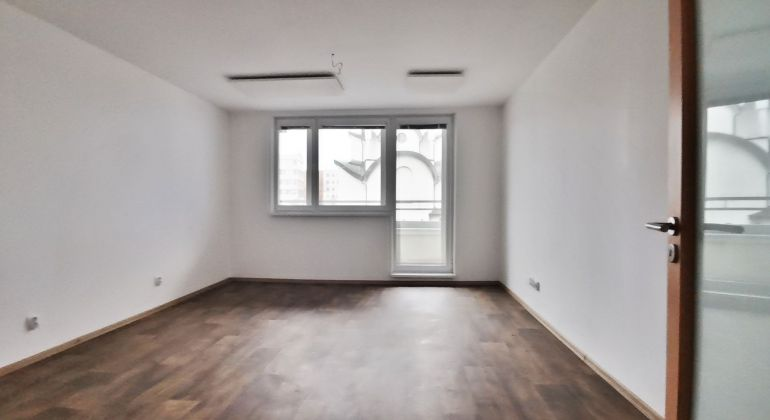 1 izbový byt v Ružinove pri jazere Kuchajda s parkovacím státim