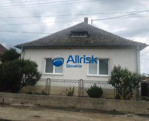 Predaj dvoch rodinných domov v obci Kráľov Brod