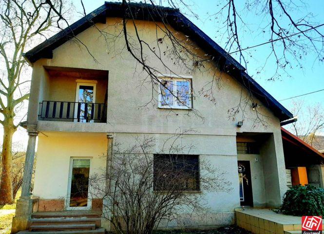 Rodinný dom - Tehla - Fotografia 1
