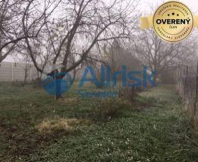 Pekný 12árový pozemok s ovocnými stromami len 3km od Šale