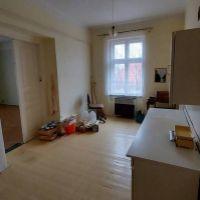 2 izbový byt, Nové Zámky, 75 m², Pôvodný stav