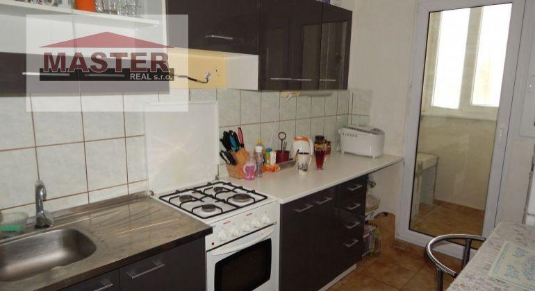 Na Predaj 3-izbový byt, 64 m2, Prievidza, Zapotôčky
