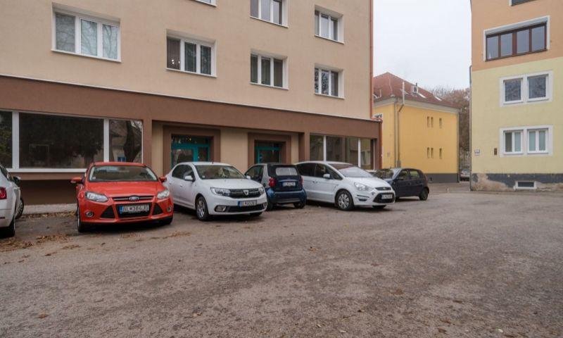 ponukabyvania.sk_Oravská_obchodné_BARTA