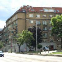 2 izbový byt, Bratislava-Staré Mesto, 63 m², Čiastočná rekonštrukcia