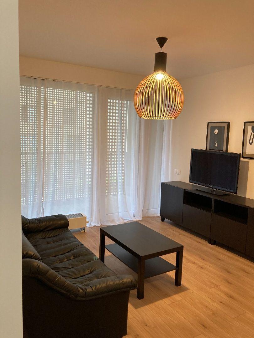 2-izbový byt-Prenájom-Bratislava - mestská časť Nové Mesto-650.00 €