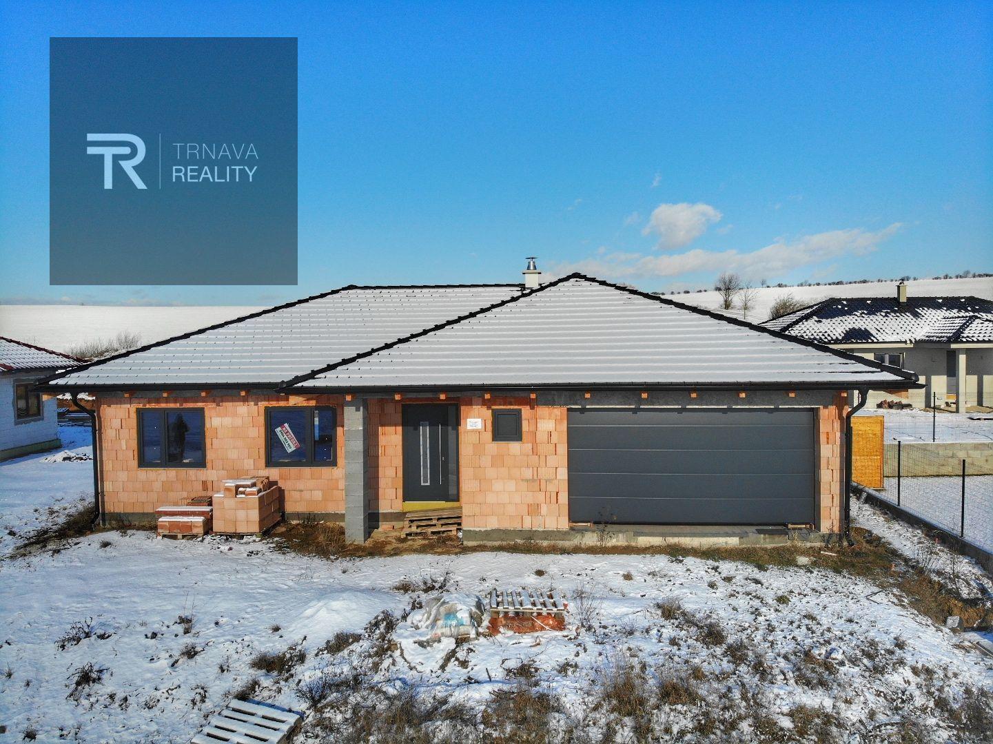 Rodinný dom-Predaj-Kľačany-250 000 €