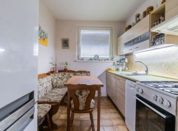Predaj trojizbového bytu v širšom centre Šamorína