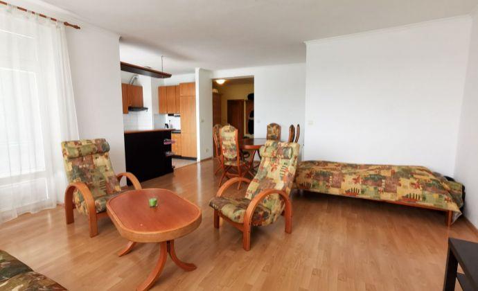 Priestranný 3 izbový byt s terasou na Stromovej ul., parkovacie státie, BAIII- Kramáre