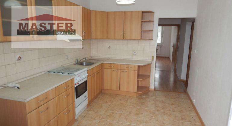 Na Predaj 4 -izbový veľkometrážný byt, 84 m2, okres Prievidza, Zapotôčky