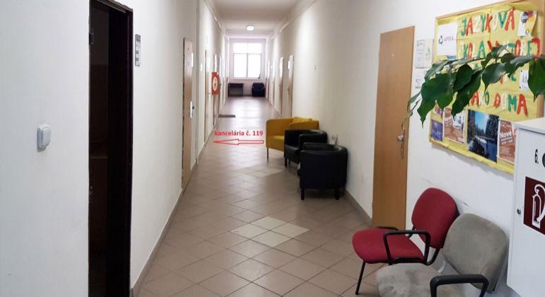 Na prenájom kancelária 18,2m2 Wolkrova, Bratislava V – Petržalka, VIDEOOBHLIADKA