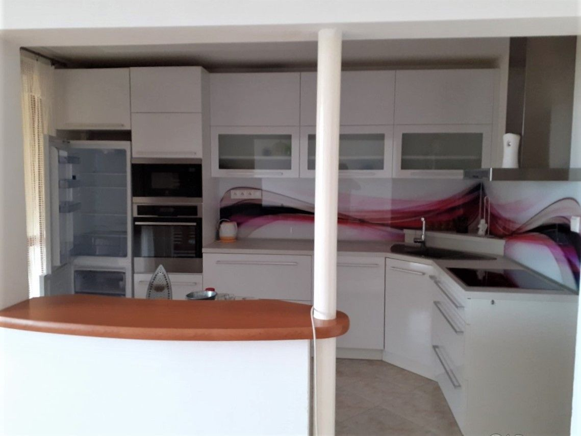 3-izbový byt-Predaj-Banská Bystrica-152000.00 €
