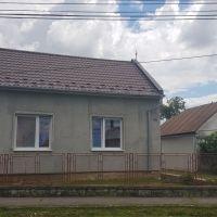 Rodinný dom, Žbince, 1 m², Čiastočná rekonštrukcia