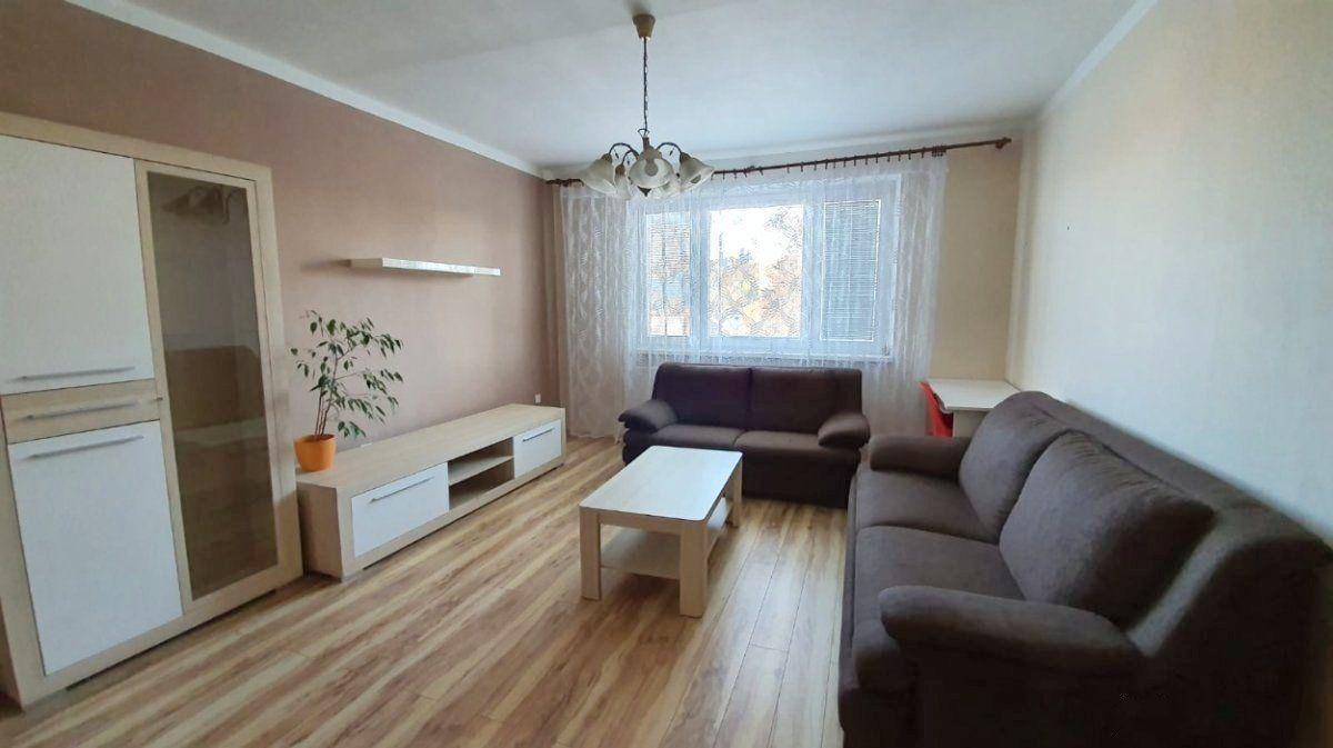 3-izbový byt-Prenájom-Bratislava - mestská časť Vrakuňa-850.00 €