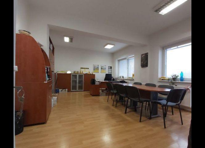 kancelárie - Trnava - Fotografia 1
