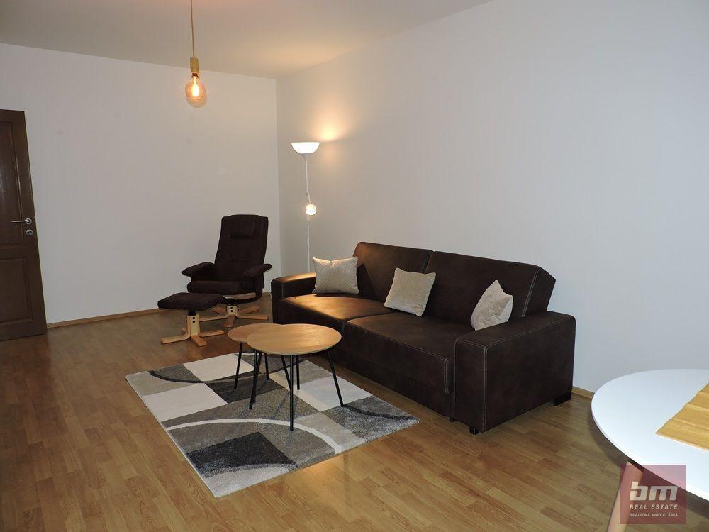 2-izbový byt-Predaj-Bratislava - mestská časť Ružinov-175500.00 €