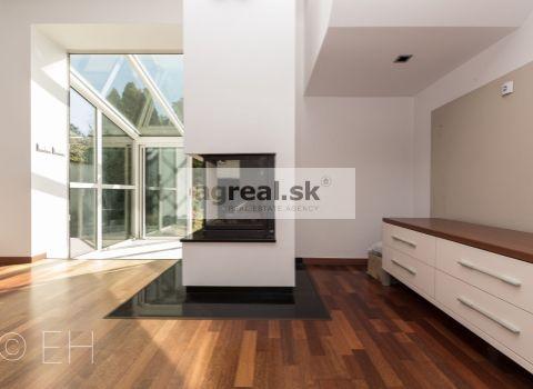 4-izbový RD (161 m²) v Ľudovej štvrti, po rekonštrukcii, tichá ulica, zeleň, parking