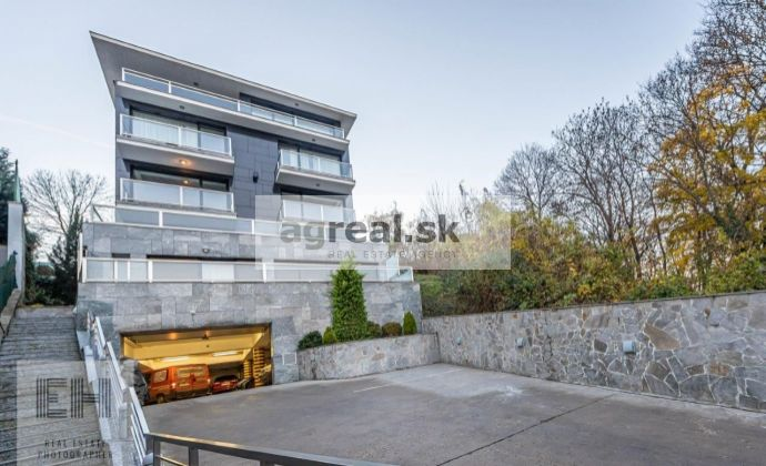 4-izbový zariadený byt 240 m2 + terasa - Horský Park Lovinského ulica